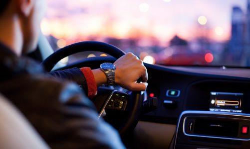 O czym warto wiedzieć decydując się na samochód na firmę?